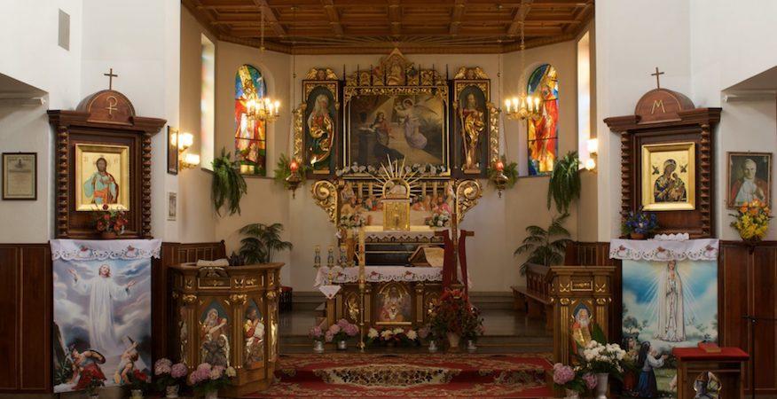 oltarz kosciola w borku szlacheckim